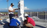 CLS Meteo Tahiti France Installing Positioner DSC09077p