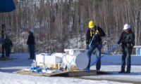 UoAF-GINA-20150408_0034uncrating positioner