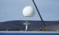 UoAF GI lifting radome over antenna system