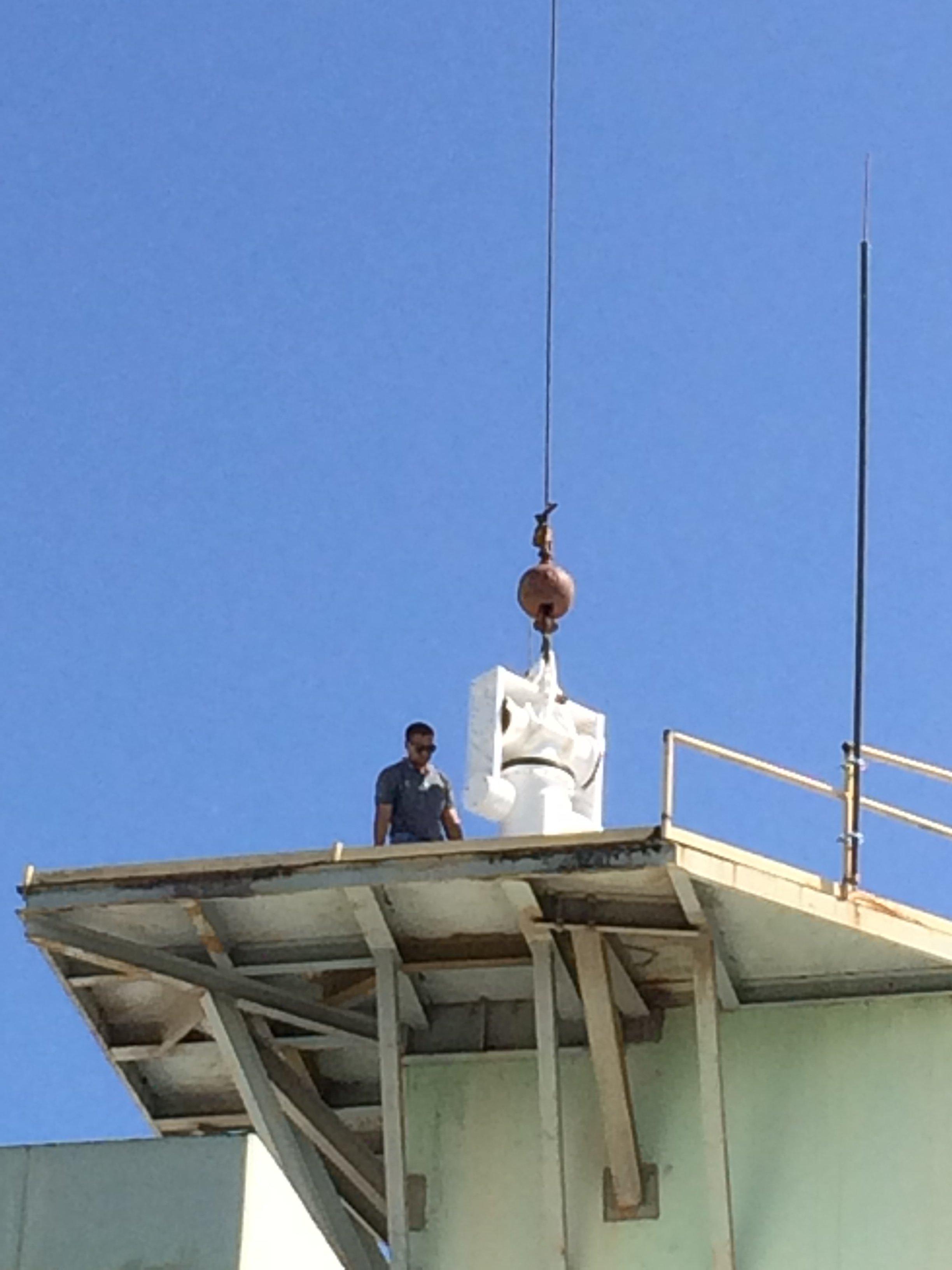 SSEC UPRM NOAA Puerto Rico Mayagüez placing positioner w crane IMG_1135